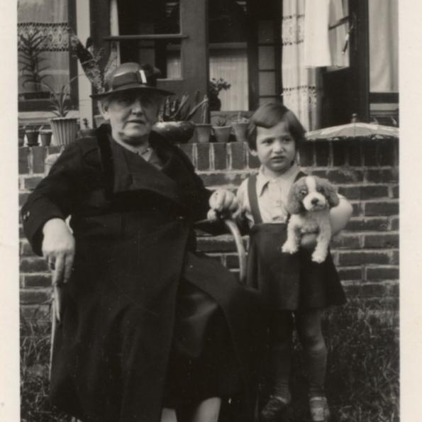 Marianne Heijmann met haar oma